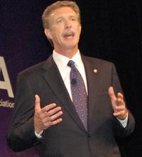 Verizon CEO Dan Mead